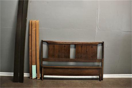 Broyhill, Saga Mid-Century Head board and Foot Board with Rails & Slats