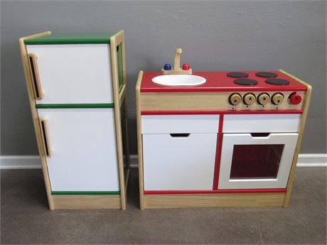 Large Toy Stove and Refrigerator