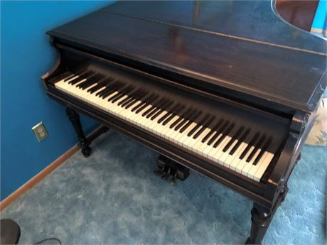 BABY GRAND PIANO - THE EVERERT WITH BENCH