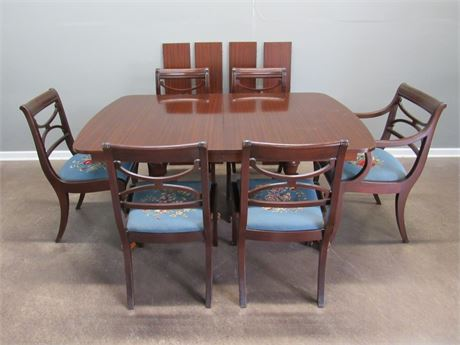 Vintage Northern Furniture Co. Double Pedestal Dining Table 6 Needlepoint Chairs