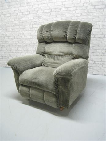 LARGE GREEN RECLINER