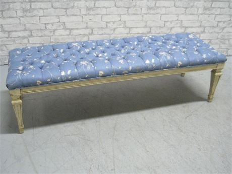 NICE UPHOLSTERED/TUFTED BENCH