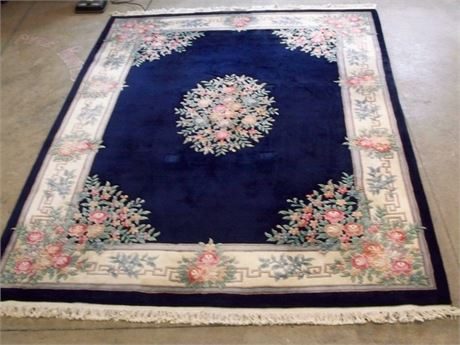 NICE THICK PILE FLORAL RUG ON A DEEP COBALT BLUE BACKGROUND