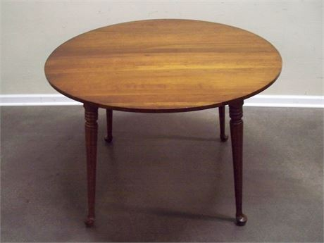 VINTAGE CHERRY TABLE WITH TABLE PADS