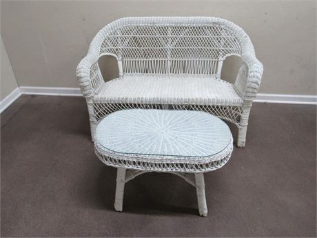 WHITE WICKER LOVESEAT AND COFFEE TABLE
