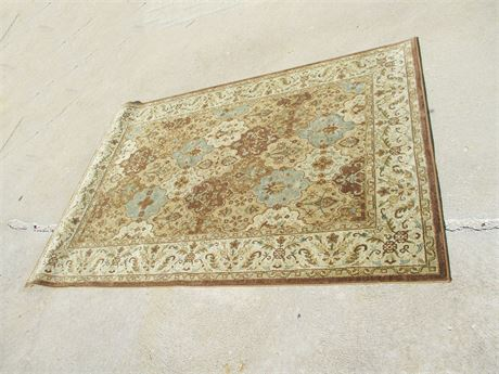 LOVELY AREA RUG BY KALEEN
