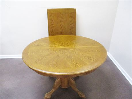 BEAUTIFUL OAK PEDESTAL DINING TABLE WITH LEAF
