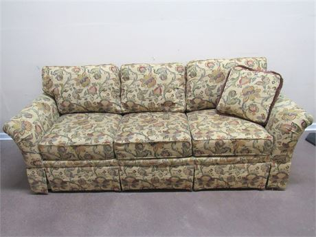 HOWARD MILLER WOODMARK SOFA WITH THROW PILLOW