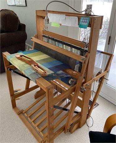 HARRISVILLE DESIGNS Model A Floor Loom