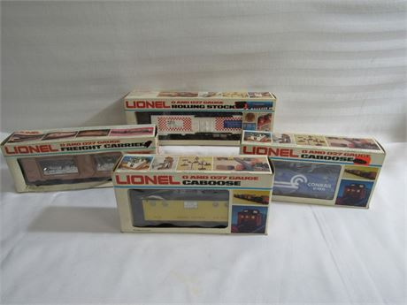 4 Lionel O-Gauge Railroad Cars with Boxes
