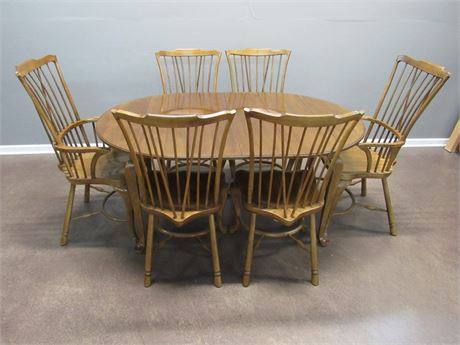 Drexel Heritage Dining Table with 6 Chairs a Leaf and Table Pads