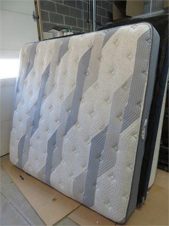 SERTA Comfort Hybrid King Mattress