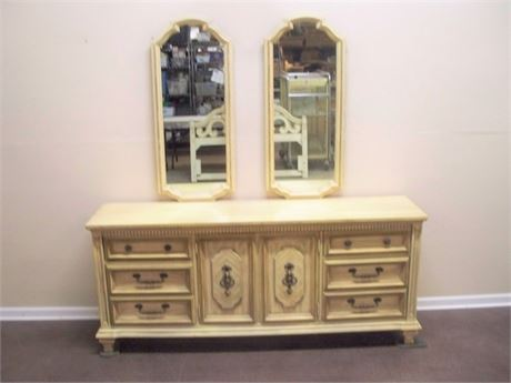 VINTAGE STANLEY FURNITURE MEDITERRANEAN STYLE DRESSER WITH MIRRORS