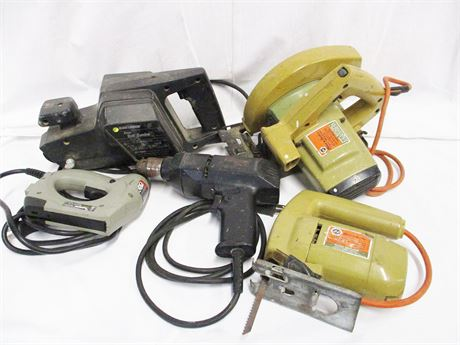 LOT OF ELECTRIC TOOLS FEATURING BLACK & DECKER