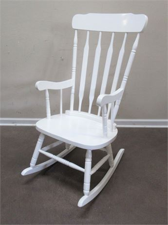 WHITE FINISHED ROCKING CHAIR