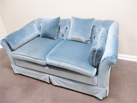 LOVELY BLUE LOVESEAT