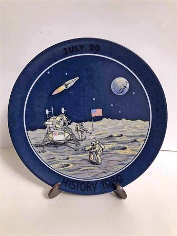 Limited Edition Men on the Moon Collector's Plate