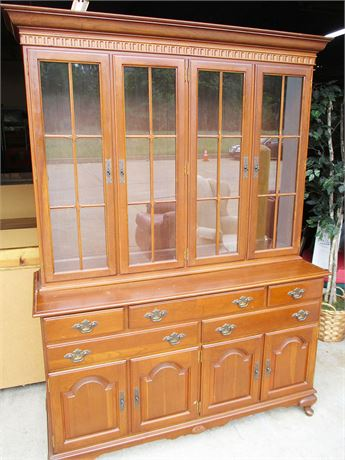 BEAUTIFUL VINTAGE HUTCH