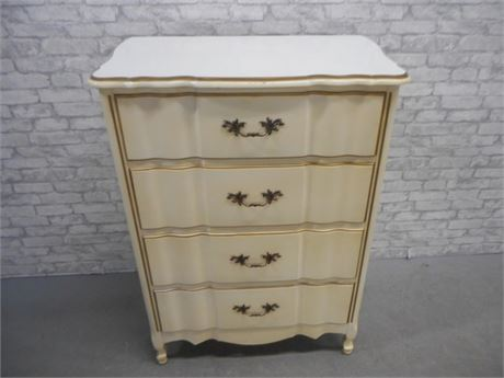 VINTAGE FRENCH PROVINCIAL SERPENTINE FRONT 4 DRAWER CHEST