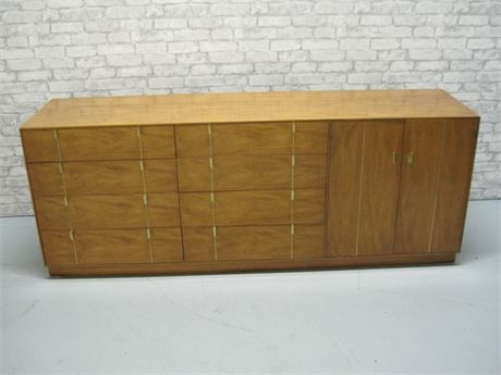 LARGE HICKORY MANUFACTURING MID CENTURY DRESSER