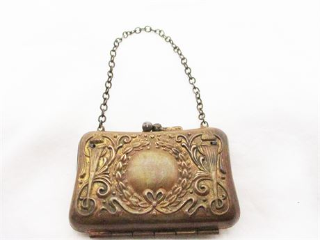 VINTAGE SMALL METAL COIN PURSE
