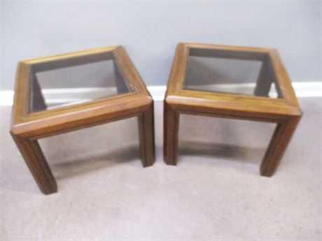LOT OF 2 OCCASIONAL TABLES WITH GLASS TOPS