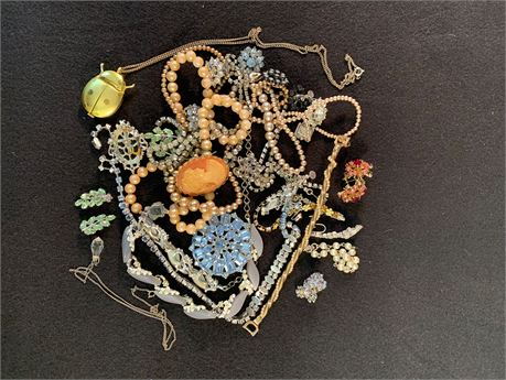 Lot of Vintage  Jewelry featuring Weiss, Carro.