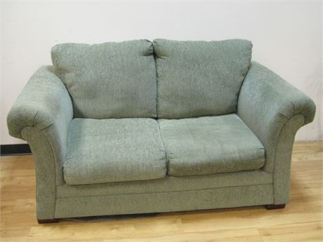 AMERICAN FURNITURE GREEN LOVE SEAT