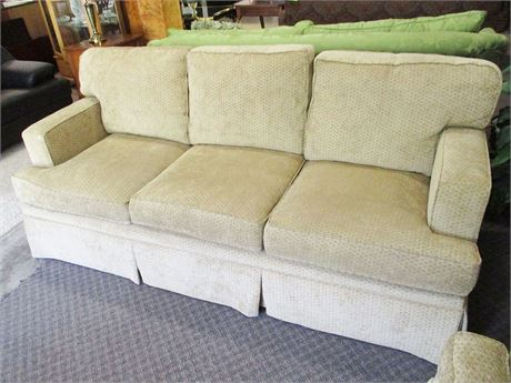 BEAUTIFUL NEUTRAL HENREDON SOFA