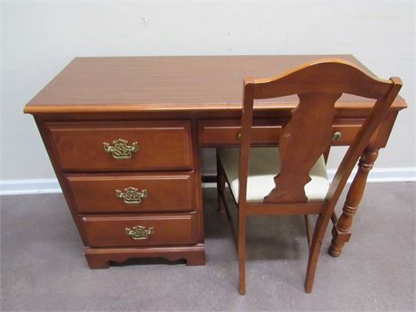 STANLEY FURNITURE DESK WITH CHAIR