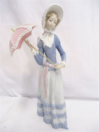 LLADRO 4879 ARANJUEZ LITTLE LADY