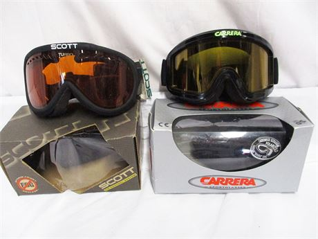 LOT OF SKI GOGGLES