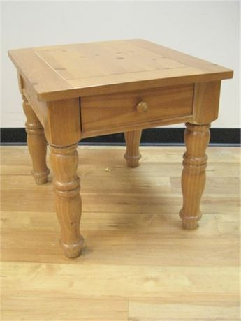 KNOTTY PINE END TABLE
