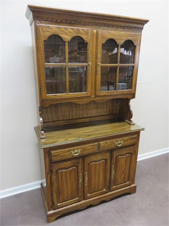 COCHRANE Glen Oak China Hutch