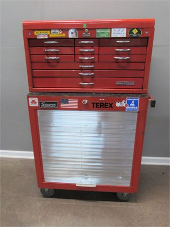 Large 2 Piece 18 Drawer Tool Chest Set on Heavy Duty Casters