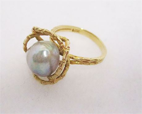 14K SIZE 6 RING WITH FRESHWATER PEARL