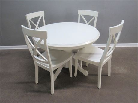 White Dining/Dinette Table with 4 Chairs