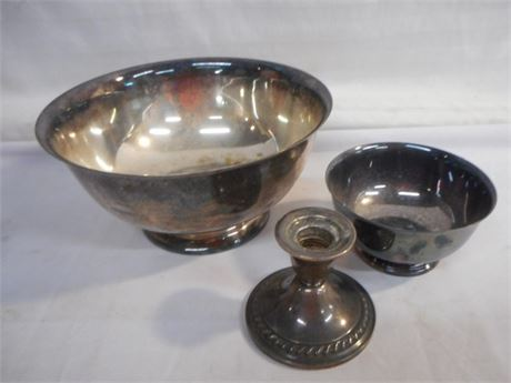 3 PIECE SILVERWARE LOT INCLUDING A NEWPORT WEIGHTED STERLING CANDLESTICK HOLDER