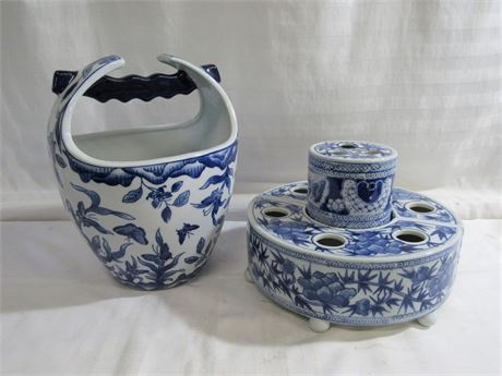 4 PIECE BLUE AND WHITE POTTERY LOT