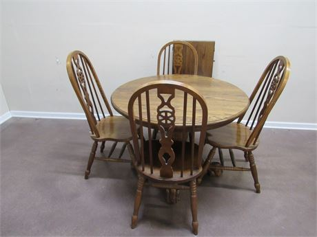 OAK CLAW FOOT DINETTE TABLE WITH 4 CHAIRS