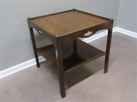 VINTAGE SQUARE END/SIDE TABLE