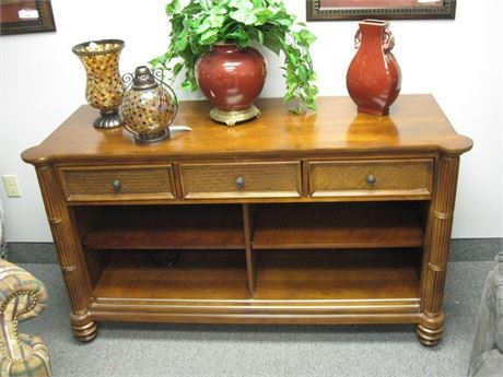 PANAMA JACK WICKER STYLE CONSOLE/SOFA TABLE