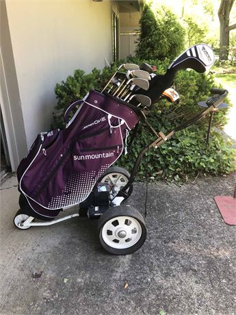 Electronic Caddy & Golf Clubs