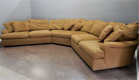 Hickory White Three Piece Sectional