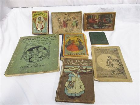 LOT OF ANTIQUE GAMES AND BOOKS