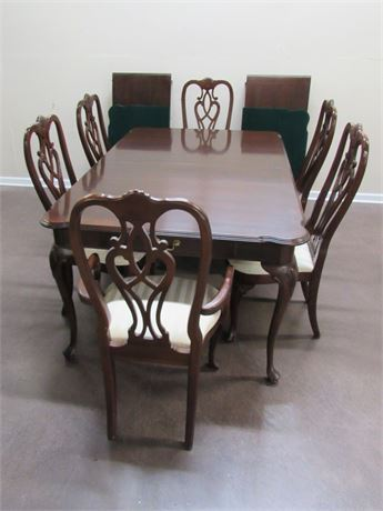 CHERRY ETHAN ALLEN DINING TABLE WITH 6 CHAIRS