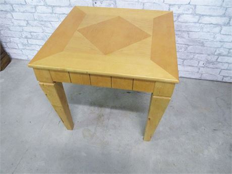 BLONDE SIDE TABLE WITH INLAY