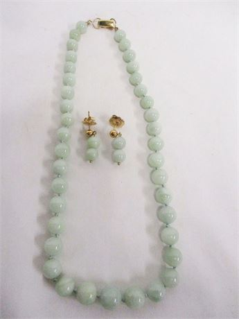 "VINTAGE 16"" 14K GOLD AND JADE NECKLACE WITH EARRINGS"