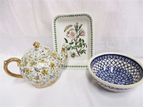 LOT OF CERAMICS FEATURING PORT MEIRION AND POLISH POTTERY