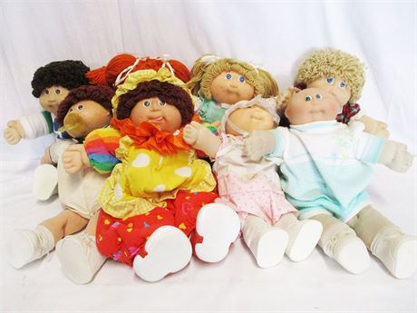 LOT OF 8 CABBAGE PATCH DOLLS